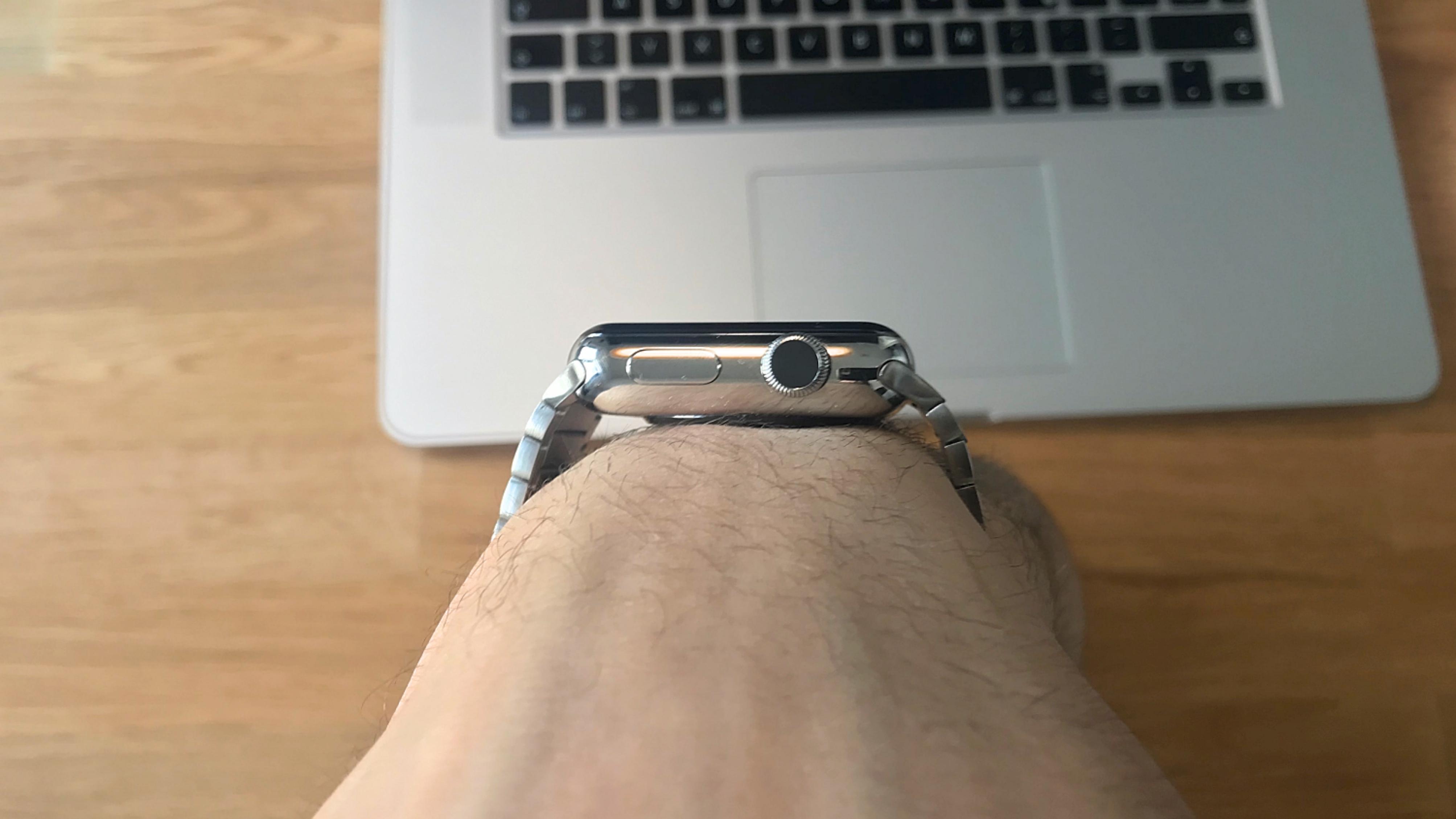 Bluestein_Edelstahl_Gliederarmband_Apple_Watch-Review4 Gliederarmband für die Apple Watch von Bluestein - die edelste Armbandvariante für 149€ statt 509€