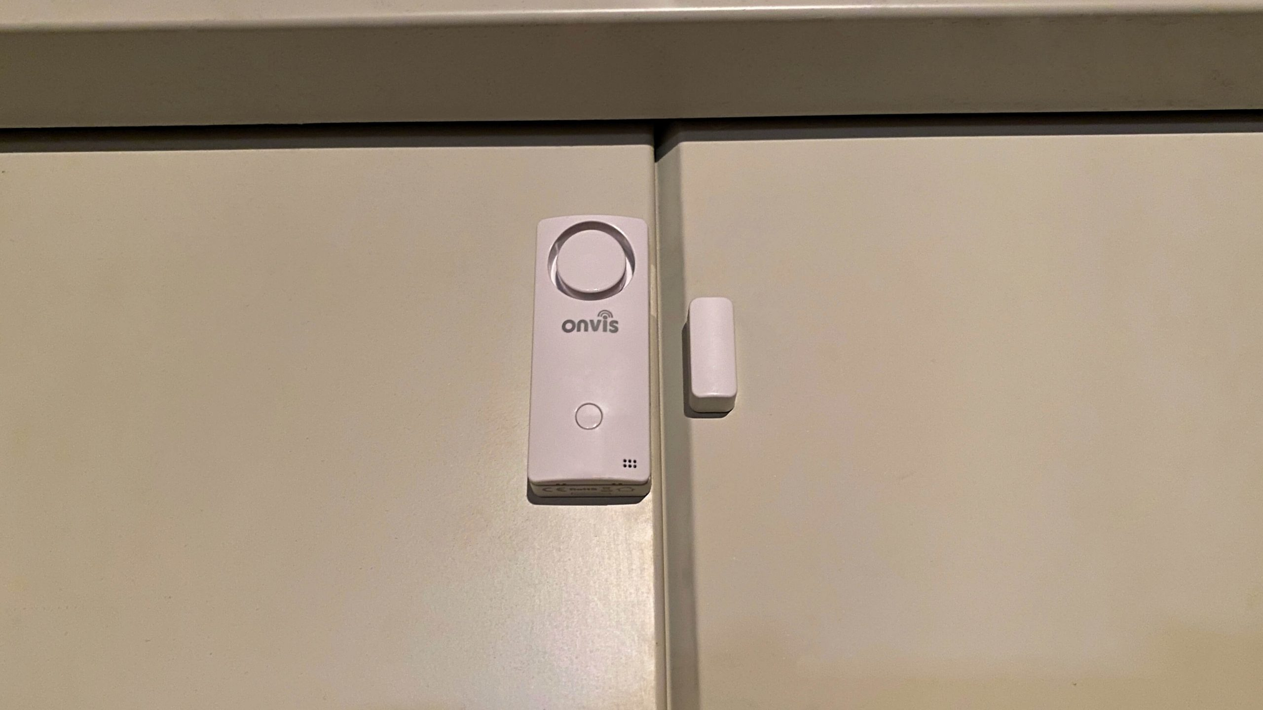 Onvis_CS1_Apple_HomeKit_Sensor_Alarmanlage_Kontaktsensor3-scaled Onvis CS1 - das Sensormeisterwerk mit Apple HomeKit