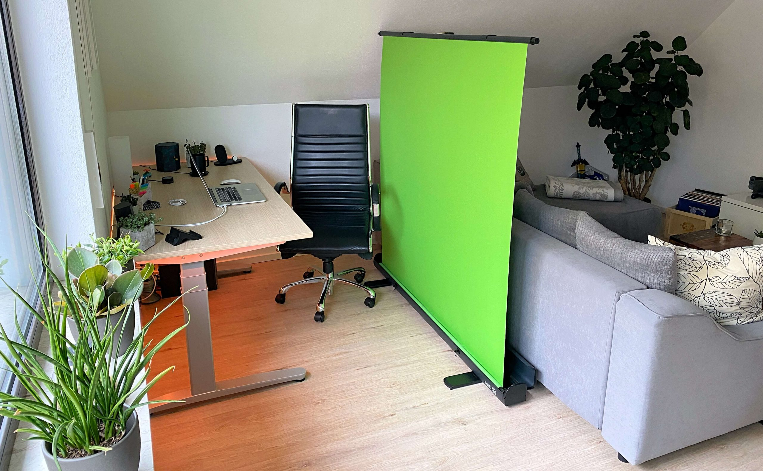 Green-Screen-von-Elgato-pro­fes­si­o­nelle-Hintergrundentfernung-im-Home-Office2-scaled Green Screen von Elgato - pro­fes­si­o­nelle Hintergrundentfernung im Home-Office