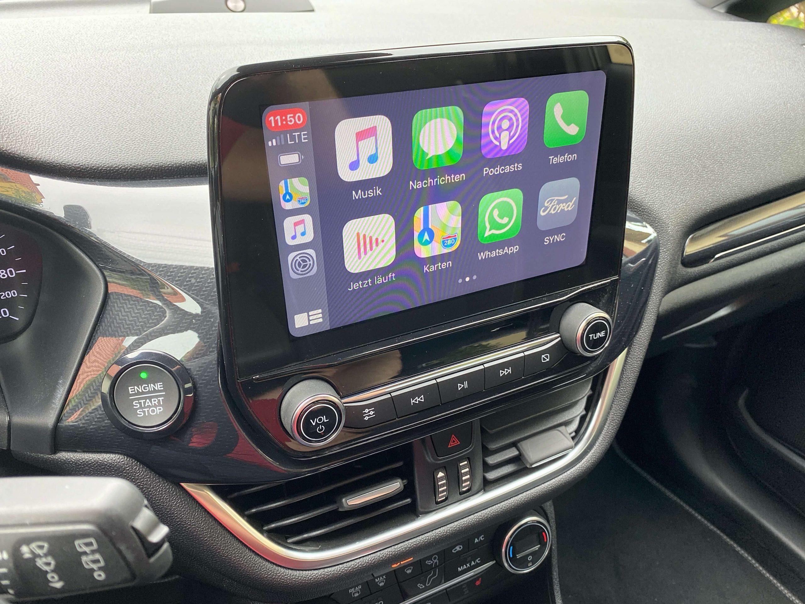 Wireless-CarPlay-Adapter-von-Carlinkit-vorhandenem-Apple-CarPlay-das-Kabel-nehmen3-scaled Wireless CarPlay Adapter von Carlinkit  - vorhandenes Apple CarPlay kabellos machen