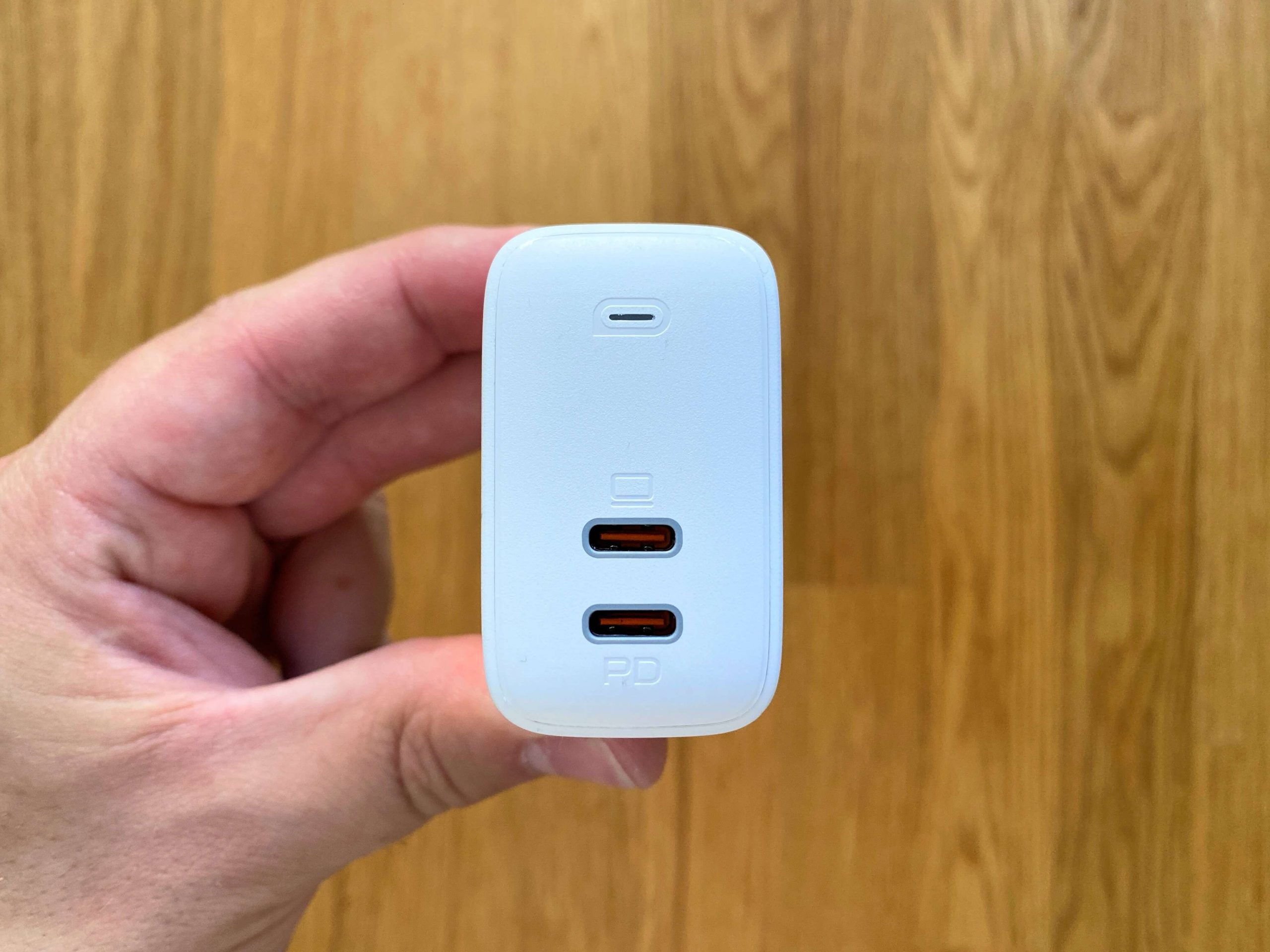 65-Watt-Ladestecker-von-Aukey-Power-Delivery-via-USB-C-im-kleinsten-Handformat5-scaled 65 Watt Ladestecker von Aukey - Power Delivery via USB-C im Handformat