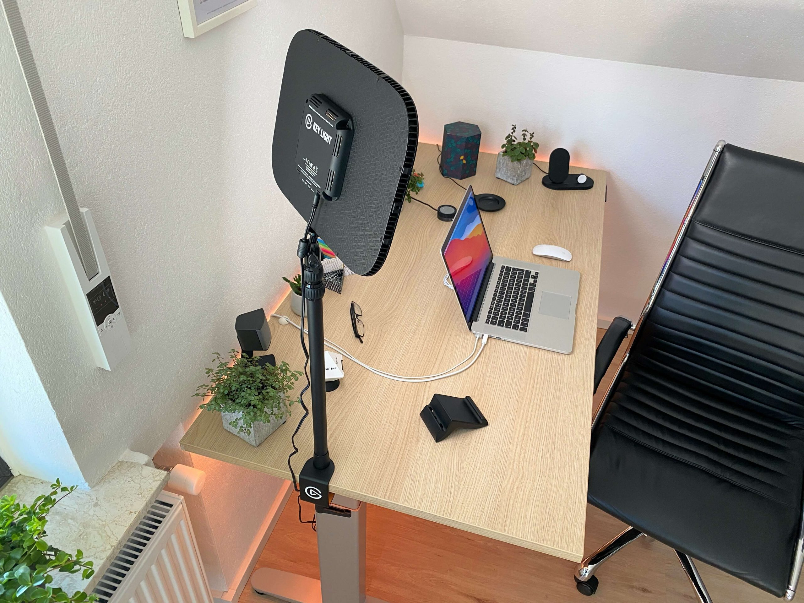 Key-Light-von-Elgato-perfektes-Licht-fuer-Videostreams-und-Co.5-scaled Key Light von Elgato - perfektes Licht für Videostreams und Co.