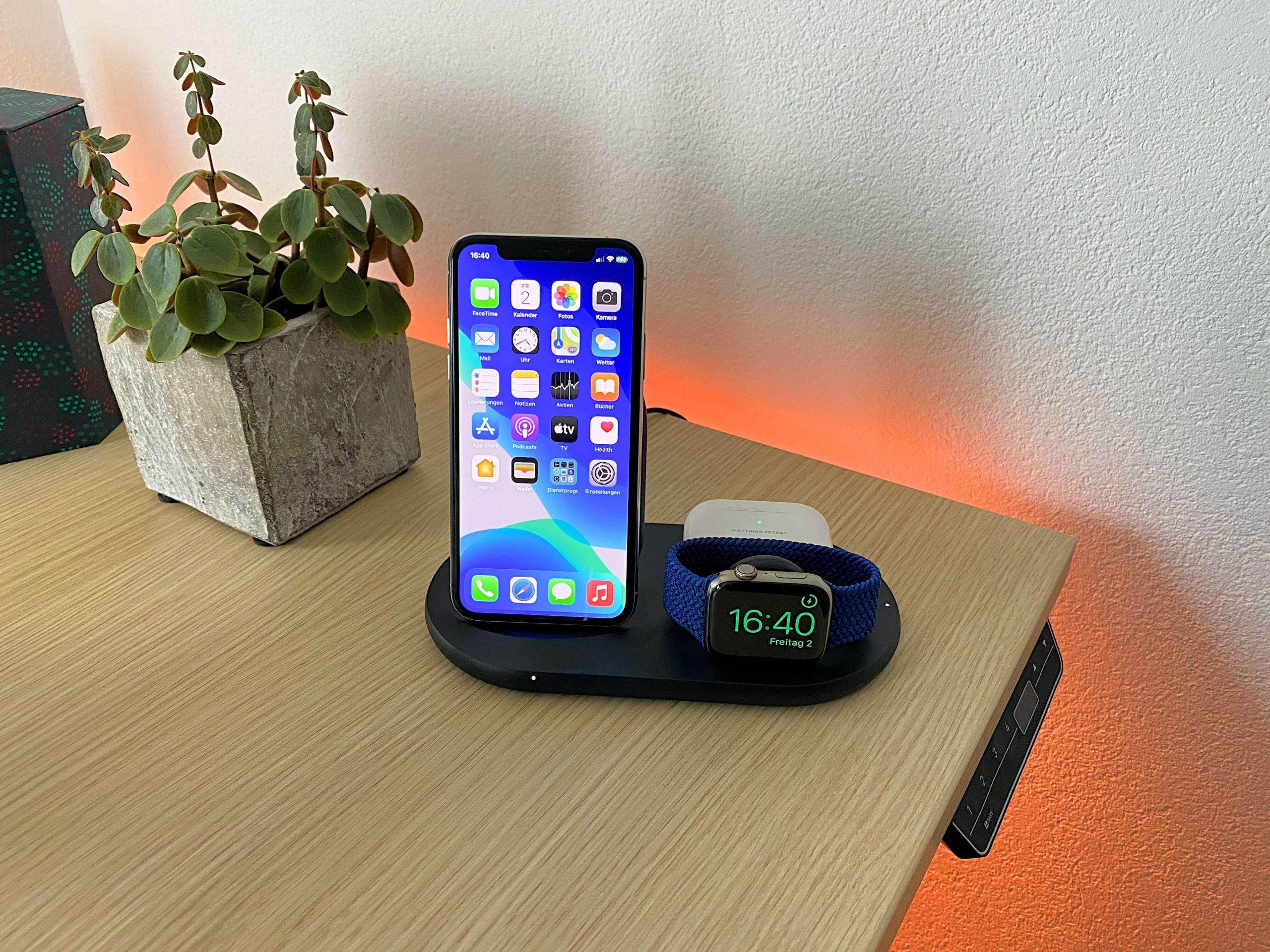 3-in-1-Wireless-Charger-von-Belkin-iPhone-Apple-Watch-und-AirPods-zeitgleich-laden3-scaled 3-in-1 Wireless Charger von Belkin - iPhone, Apple Watch und AirPods zeitgleich laden