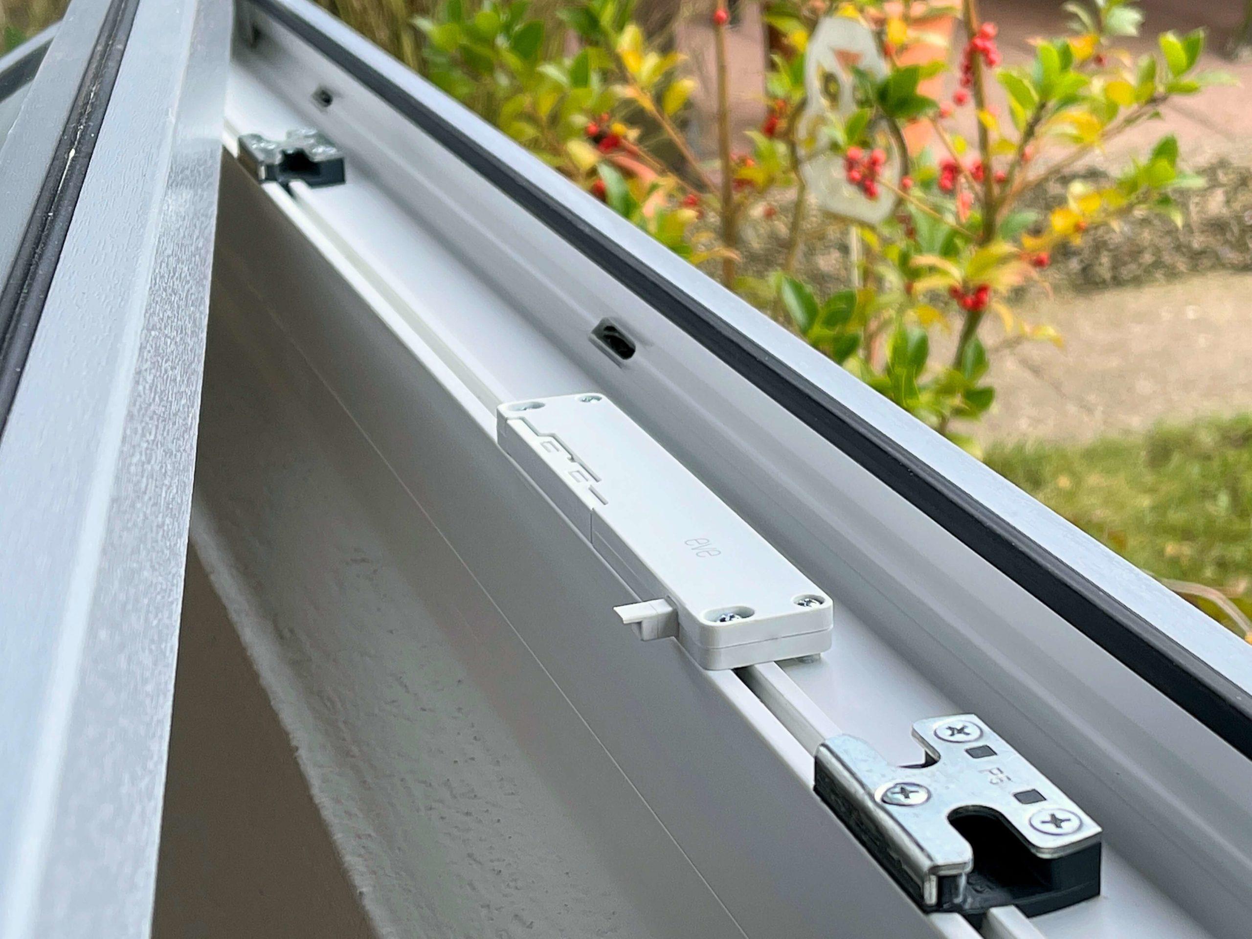 Eve_Window_Guard_Apple_HomeKit_Fenster_Sensor6-scaled Eve Window Guard - Fenster via Apple HomeKit absichern und überwachen