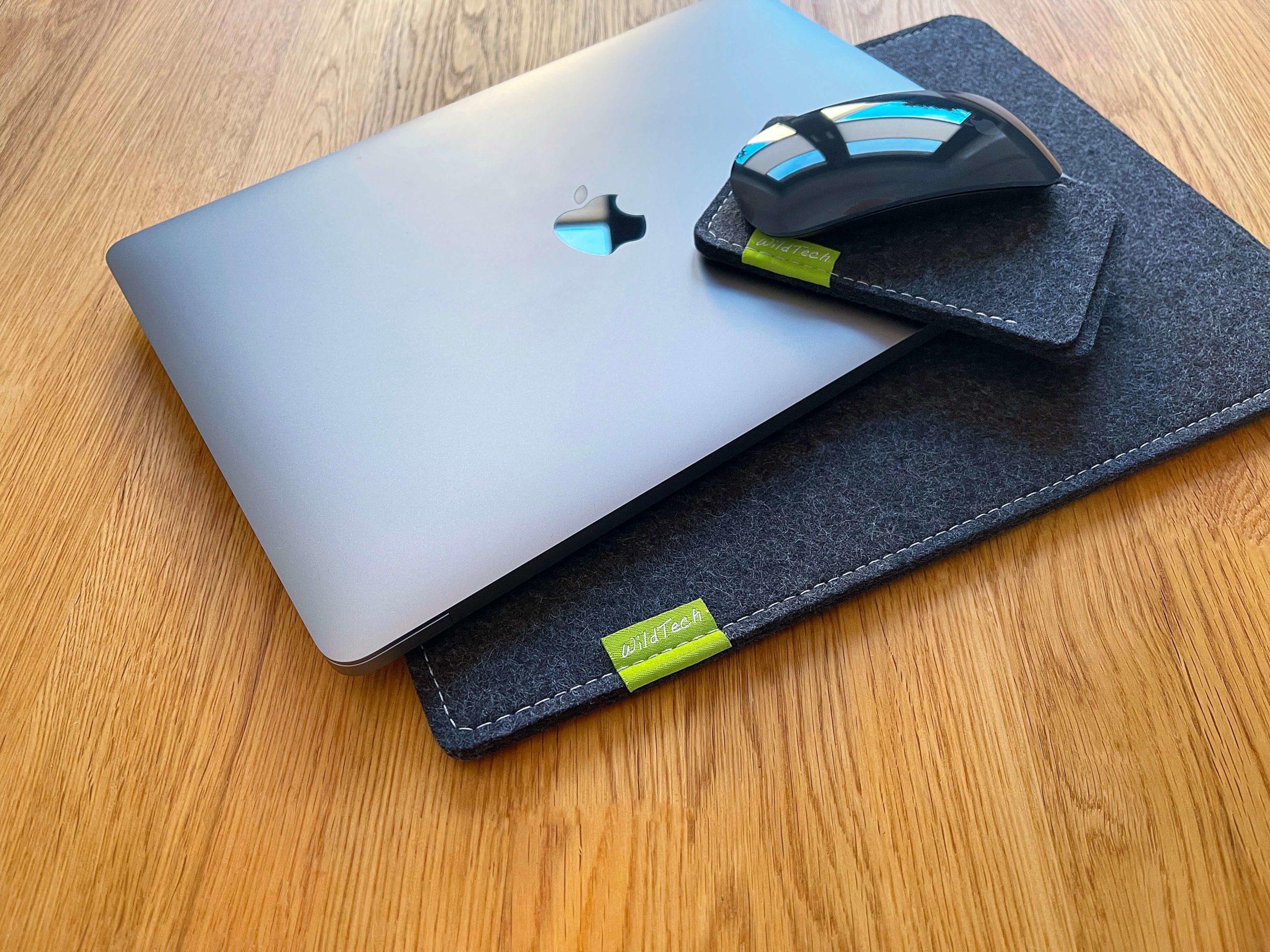 Schutz-aus-Wollfilz-von-WildTech-–-das-MacBook-Air-stilvoll-geschuetzt1-scaled Schutz aus Wollfilz von WildTech – das M1 MacBook Air stilvoll geschützt