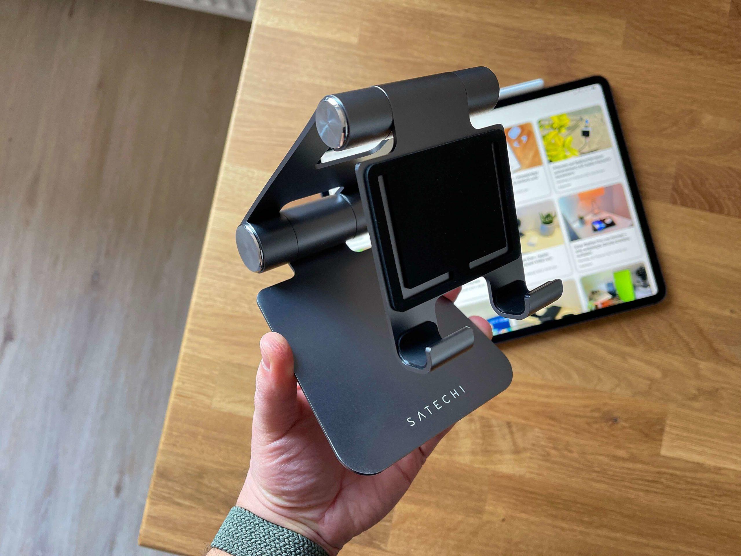 Klappbarer-Tablet-Staender-R1-von-Satechi-das-iPad-immer-korrekt-aufgestellt3-scaled Klappbarer Tablet-Ständer R1 von Satechi - das iPad immer korrekt aufgestellt