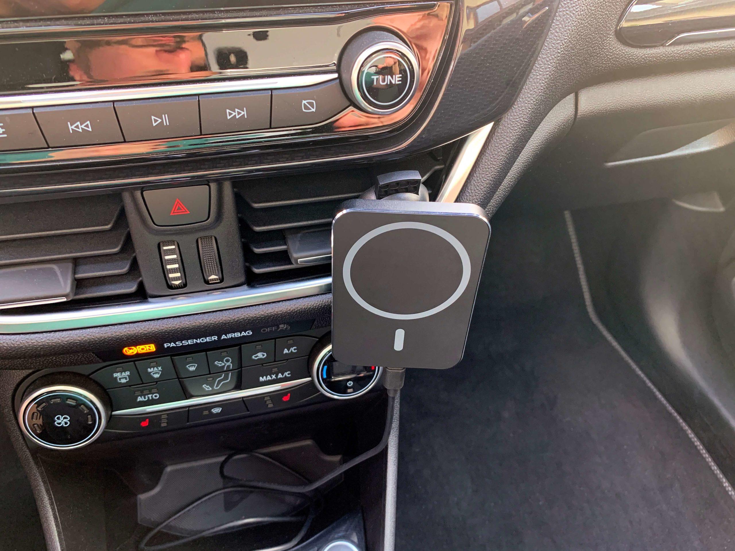 Drahtlos-das-iPhone-im-Auto-via-MagSafe-aufladen-einfach-und-fuer-jeden4-scaled Drahtlos das iPhone im Auto via MagSafe aufladen