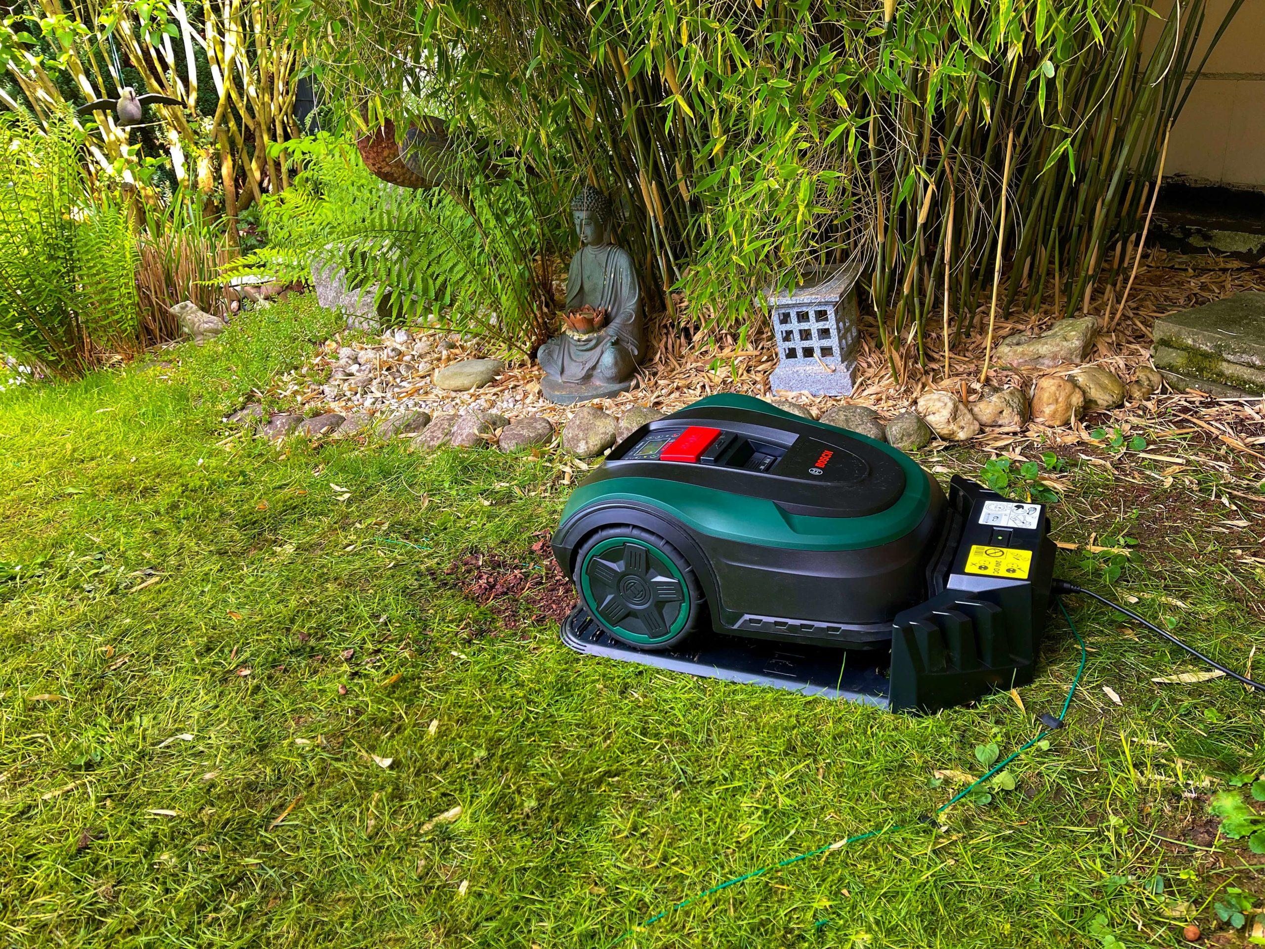 Indego-S-500-Rasenmaeherroboter-von-Bosch-smart-zur-besten-Rasenguete15-scaled Indego S+ 500 Rasenmähroboter von Bosch - Smart zur besten Rasengüte