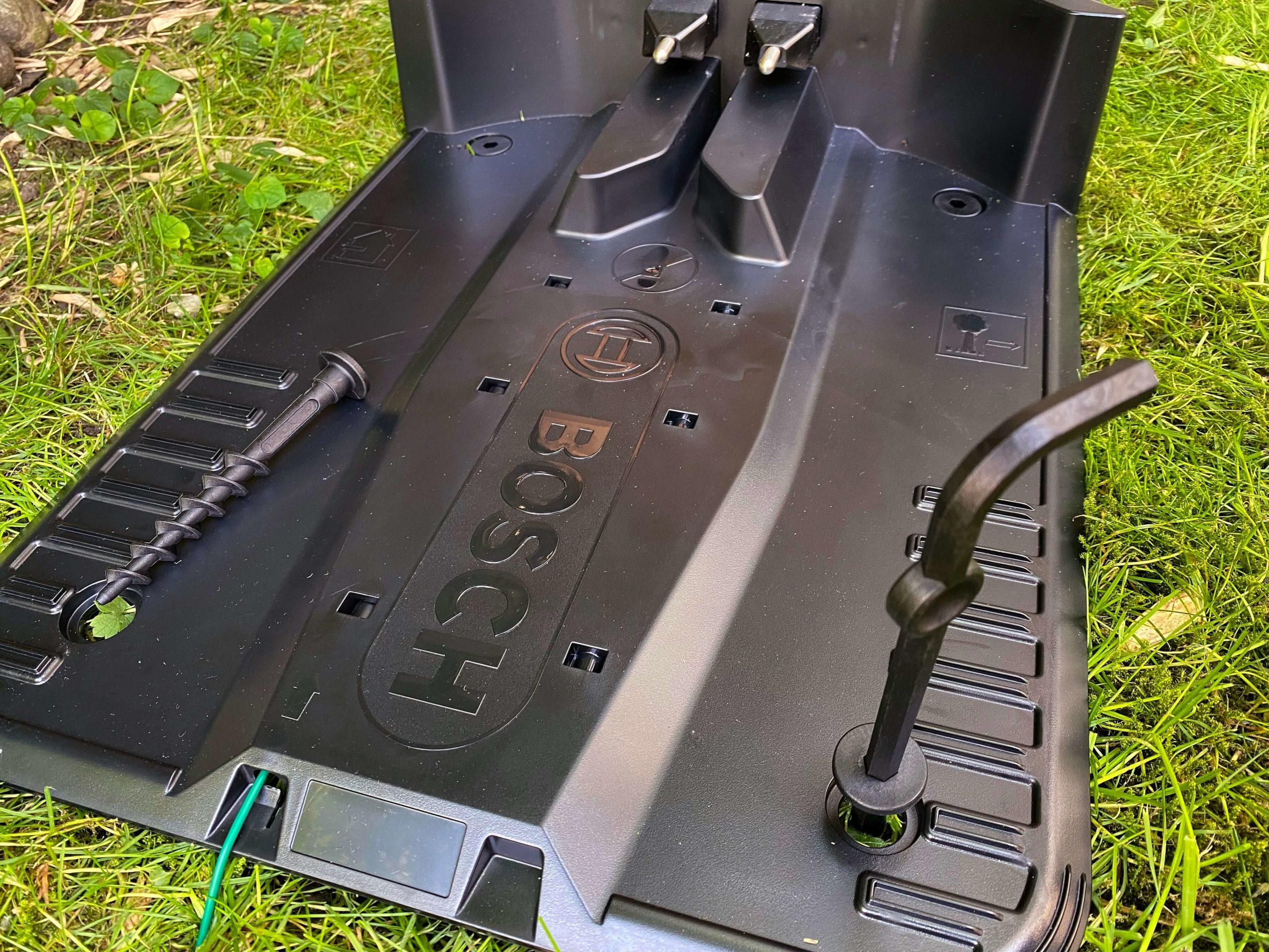 Indego-S-500-Rasenmaeherroboter-von-Bosch-smart-zur-besten-Rasenguete16-scaled Indego S+ 500 Rasenmähroboter von Bosch - Smart zur besten Rasengüte