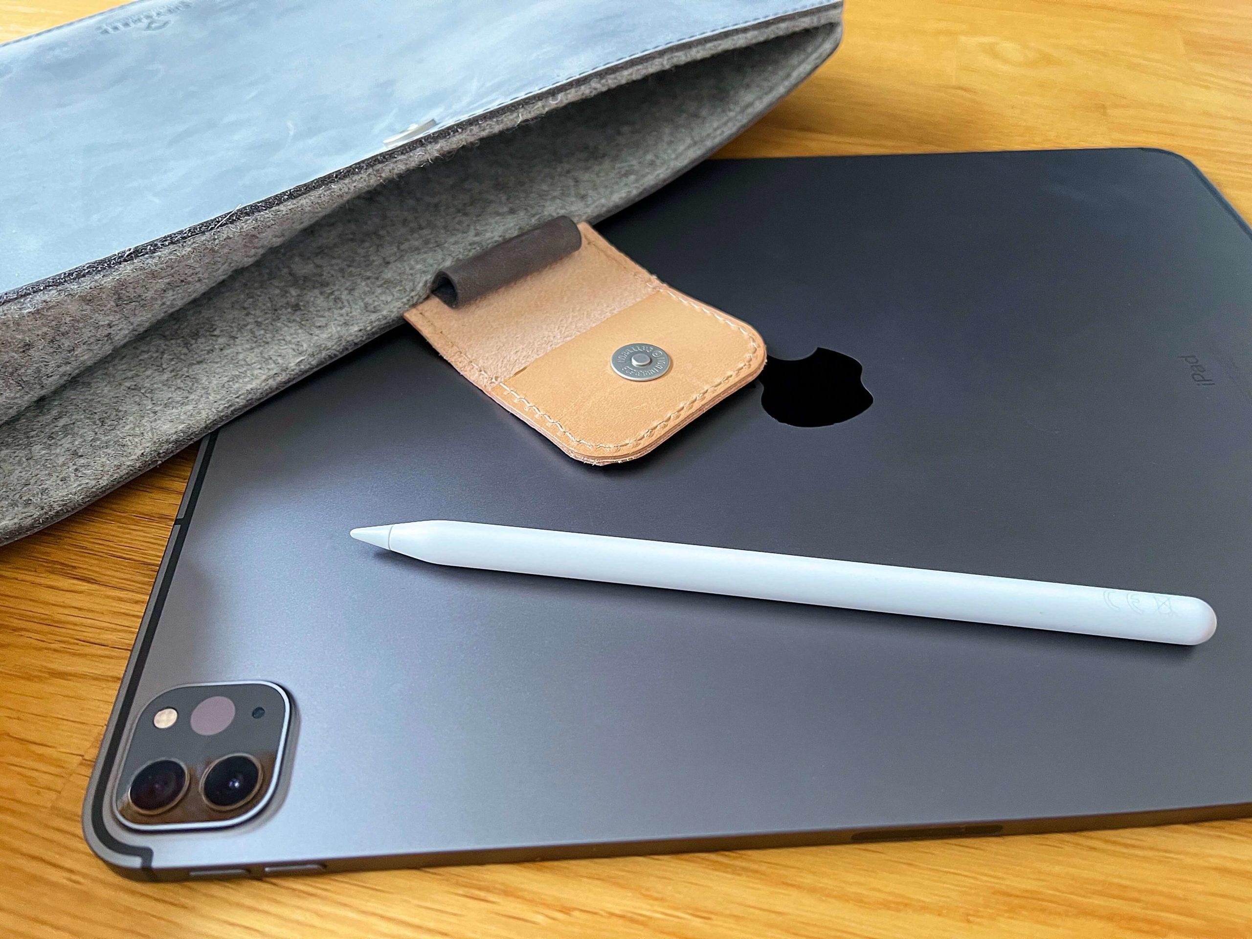 Ledertasche-mit-Filzfuetterung-und-Apple-Pencil-Halterung-von-Citysheep5-scaled Ledertasche mit Filzfütterung und Apple Pencil Halterung für das iPad von Citysheep